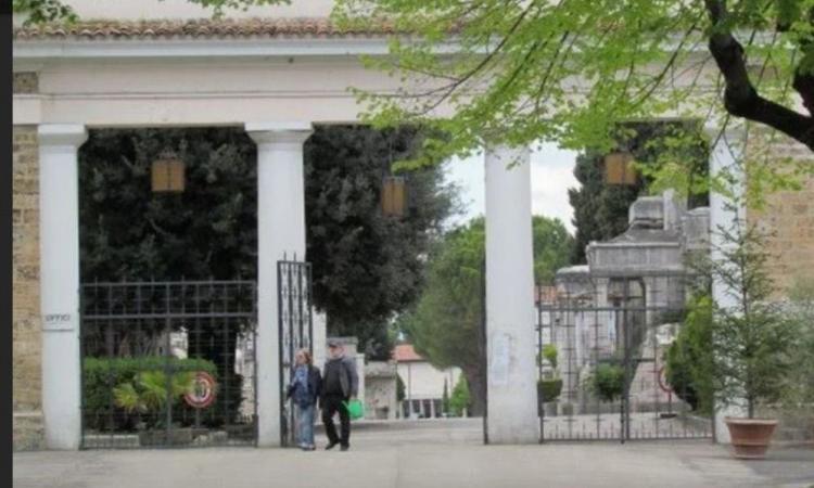 Commemorazione defunti, consigliate visite scaglionate