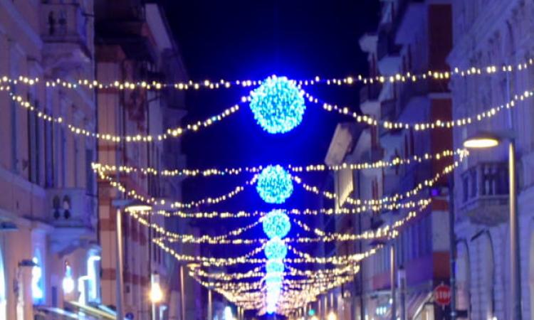 Luci natalizie in centro, un anticipo a fine novembre