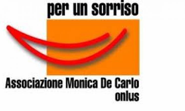Dall'associazione Monica De Carlo una donazione ai servizi sociali