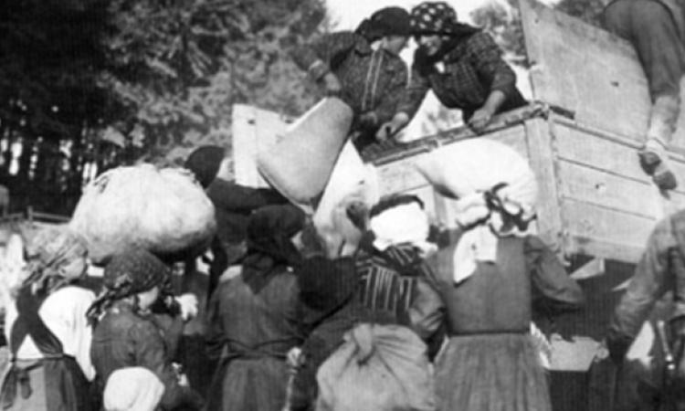 La Grande Guerra lontano dal fronte: contadini, operai e profughi